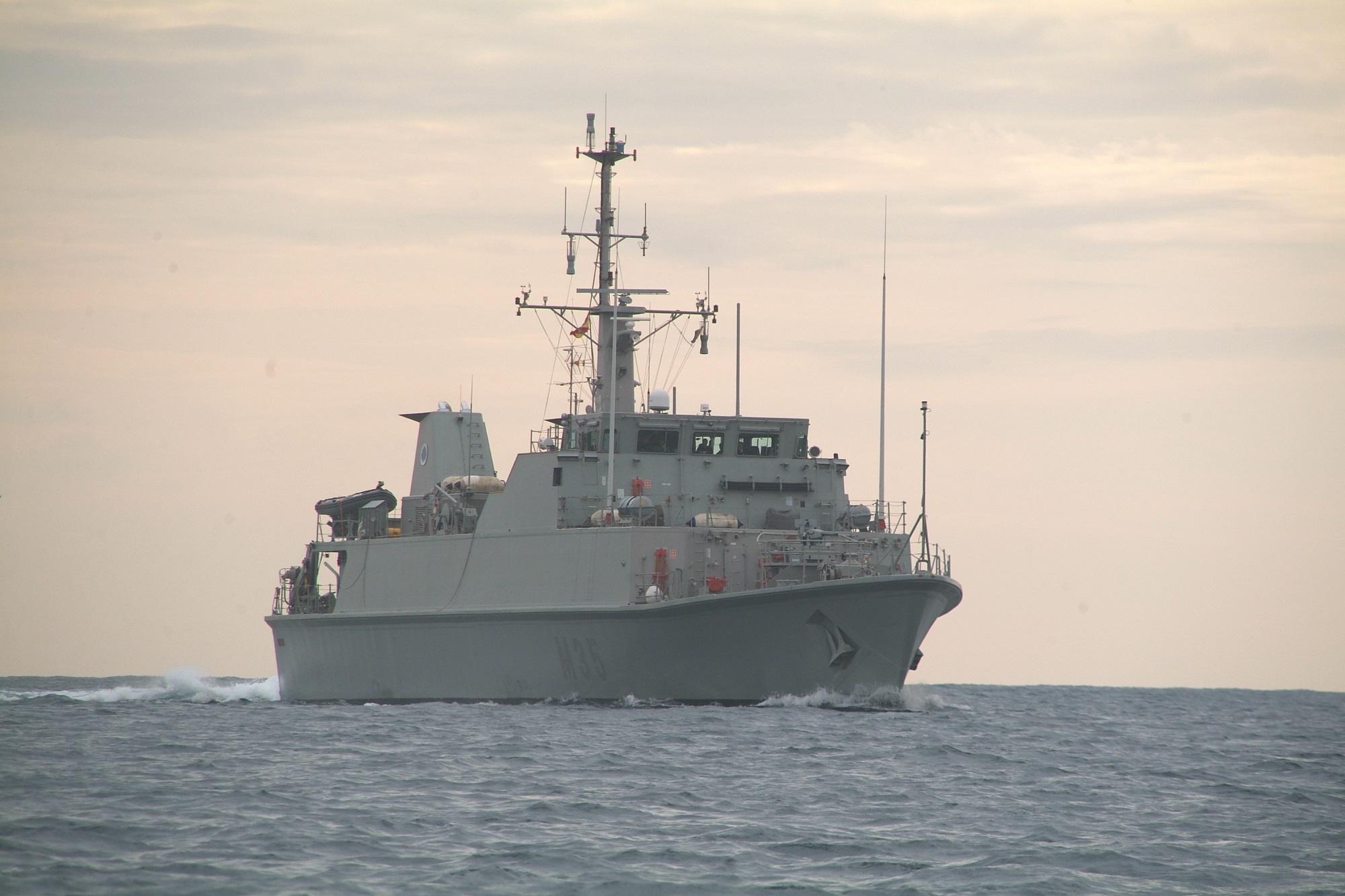 """El Cazaminas """"Duero"""" (M-35) sale de Cartagena para integrarse en la OTAN"""