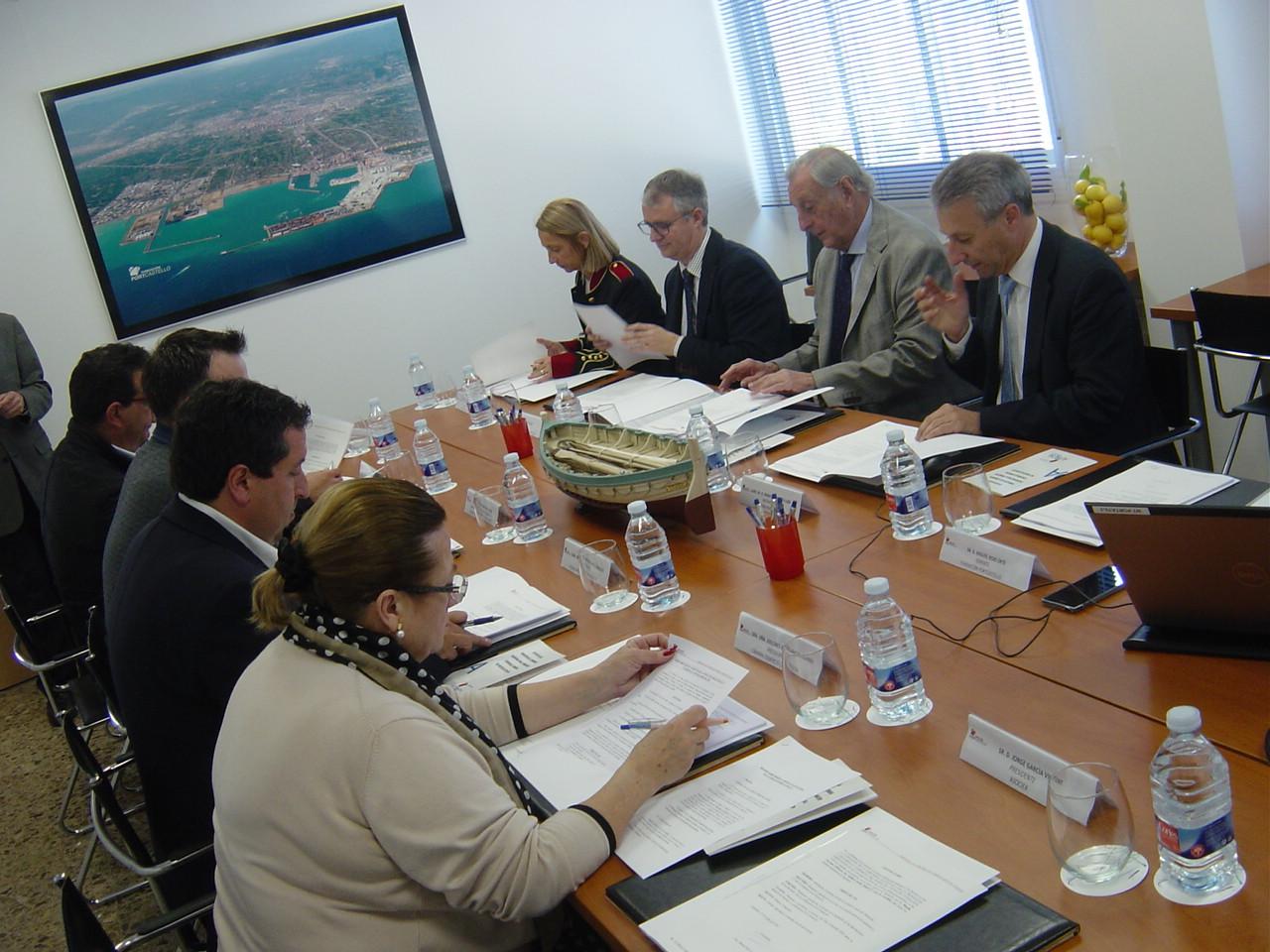 El patronato de la Fundació PortCastelló aprueba por unanimidad reorientar la entidad y potenciar  su labor de promoción del puerto